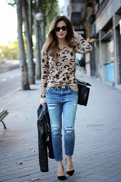 tips-to-wear-ripped-jeans-with-style-19