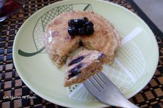 Blueberry, cheese and oatmeal pancakes