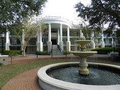 - Disney's Port Orleans Resort  a perfect hotel to relax after a day at the parks