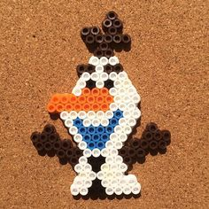 Olaf Frozen perler beads by tsubasa. Bead Crafts, Diy Crafts, Perler Beads, Fuse Beads, Olaf Frozen, Animation, Inspirational Artwork, Dots Design, Cute Art