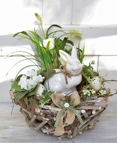 Bunny Crafts, Easter Crafts, Christmas Advent Wreath, Diy Ostern, Spring Home Decor, Wreath Crafts, Table Centerpieces, Grapevine Wreath, Easter Eggs