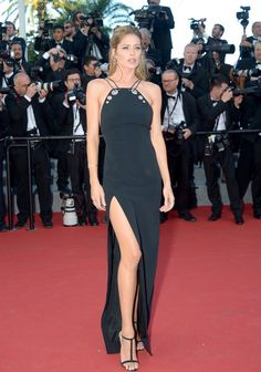 "Doutzen Kroes wears a uniquely detailed dress to the premiere of ""Youth"""