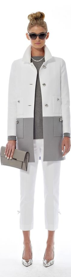 Kate Spade ● SPRING Loving the coat. New York Fashion, Love Fashion, Trendy Fashion, Fashion Trends, Petite Fashion, Fashion Bloggers, Curvy Fashion, Fashion News, Look Chic