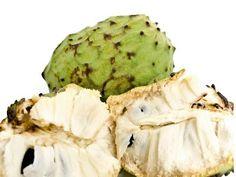 "Atemoia - é ""prima"" da fruta-do-conde. Sua polpa é branca, cremosa e docinha."