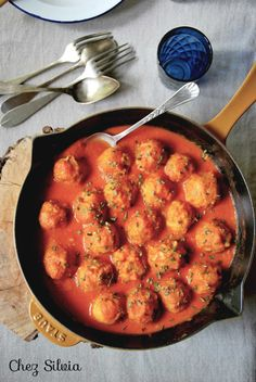 Albóndigas de garbanzos y quinoa. Vegetarian Recepies, Veggie Recipes, Vegan Vegetarian, Real Food Recipes, Cooking Recipes, Healthy Recipes, Healthy Cooking, Healthy Eating, Going Vegan