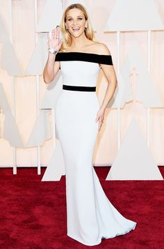 Reese Witherspoon in a chic, off-the-shoulder black and white Tom Ford gown at the 2015 Oscars