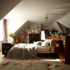 Neutral country-style bedroom