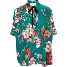 GUCCI Floral Printed Crepe Shirt ($865) ❤ liked on Polyvore featuring tops, gucci, shirts, blouses, collared crop top, short sleeve tops, floral top, blue crop top and floral crop top