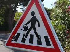 Un artiste détourne les panneaux de signalisation- Street Life * Signs * Art
