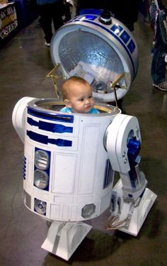 The cutest ever 26 Fantastic Examples of Star Wars Cosplay - Star Wars Costumes - Latest Star Wars Costumes - The cutest ever 26 Fantastic Examples of Star Wars Cosplay Geeks, Star Wars Love, Smosh, Nerd Love, Cosplay Costumes, R2d2 Costume, Cosplay Ideas, The Force Is Strong, Star Wars Gifts