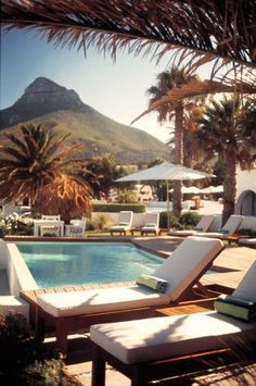 Cape Town (Devil's Peak in background)