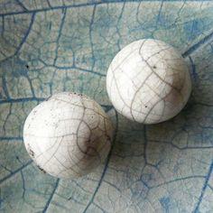 Duo grosses perles raku céramique émail craquelé pièce