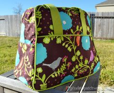 from Pixels to Patchwork: The Weekender: My New Favorite Bag!
