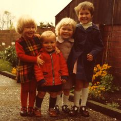 a cwtch and a cuppa: Children in the early '80s