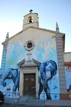 Jaz is an Argentinian street artist born in Buenos Aires in Franco Fasoli studied ceramic art and theatre scenography but since 2008 he has been . Urban Street Art, Best Street Art, Urban Art, Street Art Utopia, Street Art Graffiti, Alternative Art, Amazing Buildings, Street Artists, Public Art