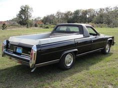 1980 cadillac fleetwood. former cpe de fleur funeral flower car. black/blue.