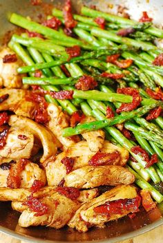 Chicken, Asparagus, and Sun-Dried Tomatoes Skillet