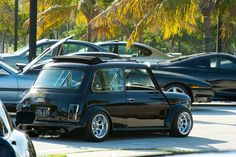 Black Classic Mini Stance