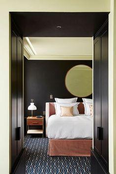 Sarah Montgomery Design- boutique hotel style bedding at Le Roch Hotel, Paris Design Hotel, Lounge Design, Architectural Digest, Le Roch Hotel, Suite Room Hotel, Modern Hotel Room, Hotel Suites, Boutique Interior Design, Hotel Decor