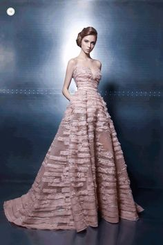 We're paying another visit to the couture universe for inspiration this Fashion Friday! Lebanese designer Ziad Nakad presents us with dazzling and divine pieces from his Elegance Vibes collec… Couture 2015, Couture Fashion, Beautiful Gowns, Beautiful Outfits, Long Wedding Dresses, Prom Dresses, Dresses 2016, Traje Black Tie, Couture Dresses