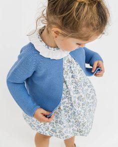 Vestido flores azul Minis Baby&Kids New Collection ¡Corre que vuelan! www.minisbk.com #minis #minisbabyandkids #minimoda #coolkids #minisbk #minisnewcollection #minisnewin