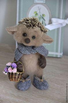 *NEEDLE FELTED ART ~ Animal toys, handmade.  Fair Masters - handmade.  Buy Hedgehog Sava.  Handmade.  Brown, cute gift