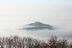 La Santissima che emerge dalla nebbia - http://www.gussagonews.it/santissima-emerge-nebbia/