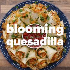 Blooming Quesadilla Ring Recipe by Tasty Mexican Dishes, Mexican Food Recipes, Dinner Recipes, Party Appetizer Recipes, Mexican Appetizers, Holiday Appetizers, Tasty Videos, Food Videos, Cooking Videos