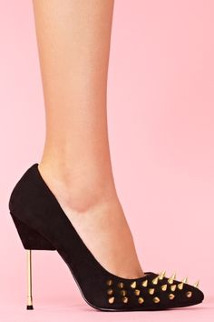 Danger Spike Pump..its pain when u wear it for hours but like people always say to be pretty is to enjoy the pain..