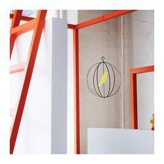 CONVERTIRSE Mobile IKEA Puede crear movimiento y la dinámica de la habitación de una manera fácil y divertida con un móvil desde el techo.