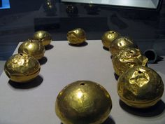 Mysterious gold beads Found near Tumna Church in 1834 — at National Museum of Ireland - Archaeology.