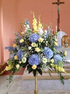 Blue, Yellow and white large Alter Arrangement of Hydrangea, Gladioli and Roses Blue, Yellow and whi Hortensien Arrangements, Yellow Flower Arrangements, Funeral Floral Arrangements, Beautiful Flower Arrangements, Alter Flowers, Church Flowers, Funeral Flowers, Memorial Flowers, Wedding Ceremony Flowers