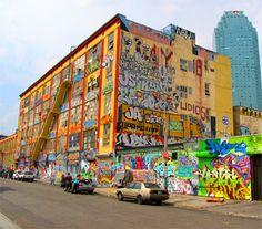 Graffiti art , street art , Urban art art Life style by urbanNYCdesigns New York Graffiti, Best Graffiti, Street Art Graffiti, Graffiti Images, Graffiti Styles, Full Hd Wallpaper, City Wallpaper, Graffiti Wallpaper, Art Competitions