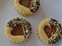 Pistáciové linecké cukroví podle blogerky Elly Cookie Desserts, Cookie Recipes, Dessert Recipes, Christmas Sweets, Christmas Baking, Mini Wedding Cakes, Czech Recipes, Arabic Sweets, Pasta