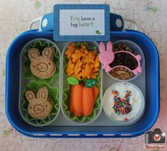 We had a cute visitor this weekend and he inspired our lunches packed in our @yubo lunchbox box and we found the perfect @Lunchbox Love from Say Please card to go with it!