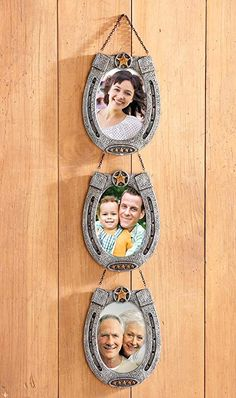 Hanging Country Western Horseshoe Picture Frames by sensationaltreasuresDecorative items to make with horseshoes: - lucky horseshoe wall hanging - Lucky door wreath made from horseshoes - horseshoe christmas tree - christmas deco. Horseshoe Projects, Horseshoe Crafts, Lucky Horseshoe, Horseshoe Art, Horseshoe Decorations, Horseshoe Ideas, Western Crafts, Country Crafts, Country Western Decor