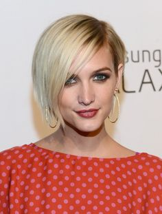 Ashlee Simpson Wentz Side Parted Straight Cut