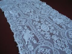 Vintage Quaker Lace Table Runner Cloth Figural Cherubs very long