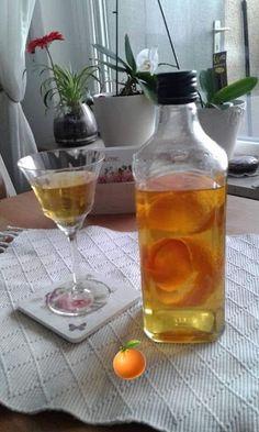 Πορτοκάλι λικέρ !!! ~ ΜΑΓΕΙΡΙΚΗ ΚΑΙ ΣΥΝΤΑΓΕΣ 2 Sweet Words, Wine Decanter, Barware, Alcoholic Drinks, Cooking, Glass, Recipes, Food, Liqueurs