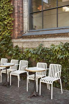 Palissade Collection by Ronan & Erwan Bouroullec Outdoor Furniture Design, Bar Furniture, Garden Furniture, Outdoor Cafe, Outdoor Decor, Cafe Interior Design, Outdoors, Landscape, Home Decor