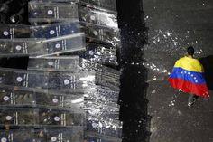 Take some time to inform you about what is happening now in #Venezuela. #Censorship #represion http://www.maduradas.com/impactante-secuencia-de-imagenes-demuestra-la-verdad-de-los-hechos-ocurridos-el-12f-relato/