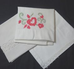 1960s Vintage Set of 3 Mismatched White Pillowcases with Hand Embroidery…