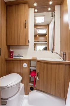 Özel tasarımıyla Avrupa üretimi Knaus Marka hafif çekme karavan. Komfordan ve güvenden ödün vermeden sevdiklerinizle birlikte tatilin keyfini çıkarın.