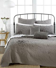 Nostalgia Home Bedding, Petals Quilt Collection
