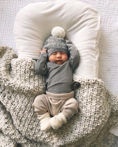 55 Cool Newborn Baby Boy Clothes Having a newborn baby boy is exciting and perhaps a bit scary as well. Many parents will want to go out and buy a whole wardrobe worth of clothes for their newborn baby. This is a mistake as the average… Continue Reading → The Babys, Cute Baby Pictures, Western Baby Pictures, Baby Boy Newborn, Baby Boy Outfits Newborn, Newborn Clothing, Newborn Baby Boy Clothes, Cute Baby Outfits, Newborn Winter Clothes