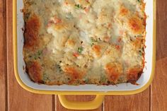 This Bubble Up Chicken Pot Pie Casserole is just the warm, comforting dish to warm you up this Winter. Just 318 calories or 9 Weight Watchers SmartPoints!