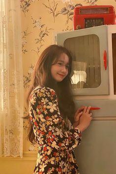 Yoona Snsd, Ethereal Beauty, Fashion Poses, Korea Fashion, Girl Crushes, Asian Style, Korean Beauty, Girls Generation, Kpop Girls