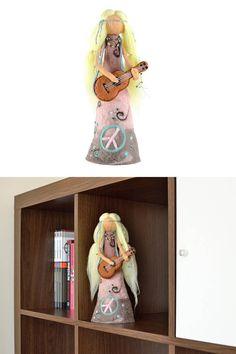 Hippie figurine flower power girl with guitar  hippie