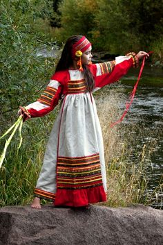 Little Russian girl in traditional dress. Russian Beauty, Russian Fashion, Folklore, Pretty Outfits, Cute Outfits, Mexican Fashion, Russian Culture, Folk Costume, Historical Clothing