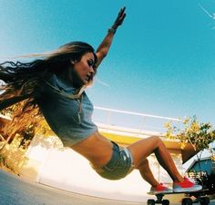 Skate girl…Inspiration for the living shred. Skates, Nba, Skate Girl, Skate Style, Skateboard Girl, Poses, Skateboards, Kendo, Air Jordan